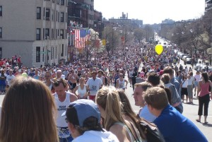 800px-Boston_marathon_mile_25_beacon_street_050418
